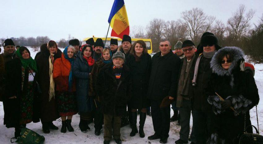 Foto/Video: VINOVAȚI FĂRĂ DE VINĂ! Măcinați o viața întreaga de întrebarea: oare cu ce am greșit? 76 de ani de la masacrul de la Lunca – Herța. Comemorare la Cernăuți