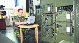 """""""Enigma"""" românească. Armata României realizează aparatură de ultimă generație pentru criptarea comunicațiilor. Ce au învațat specialiștii Bazei 191 Logistică pentru Comunicații și Informatică din spargerea codului """"Enigma""""?"""