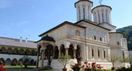 Cultură și civilizație românească la Mănăstirea Horezu, pentru tinerii români din Cernăuți–Ucraina