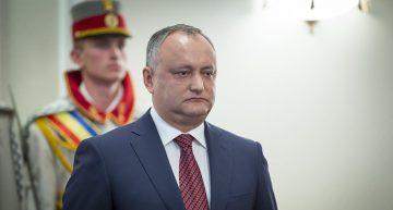 """Video: Igor Dodon pus la punct în secția de votare după ce a cerut buletin de vot în """"limba moldovenească"""". """"Nu avem decât în română și rusă!"""""""