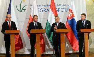 Tensiuni în Grupul de la Visegrad: Cehia şi Slovacia aleg agenda pro-europeana, Polonia şi Ungaria sfidează Bruxellesul