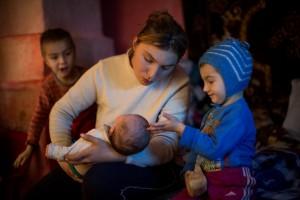 """Prima dezbatere privind asistenţa medicală comunitară în România. """"Echitatea serviciilor medicale pentru mama vulnerabilă din România"""""""
