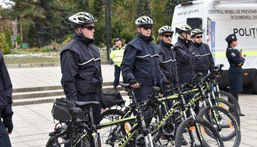 La Chișinău a fost lansat serviciul de patrulare al poliției pe biciclete