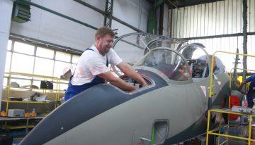 Algeria, interesată de tehnologia militară românească produsă de IOR, Avioane Craiova şi Romaero
