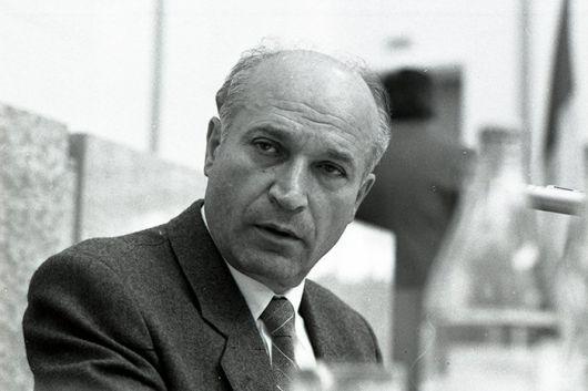 SE DUC TITANII… In memoriam Alexandru MOȘANU – Primul preşedinte al Parlamentului Republicii Moldova