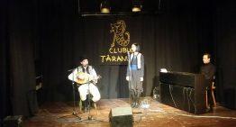 Video exclusiv! Vechi cântece bucovinene în interpretarea ineagalabilei Lorena OLTEAN, de Ziua Bucovinei, la Clubul Țăranului Român