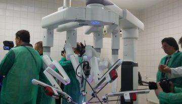Se deschide primul centru de chirurgie robotică din România