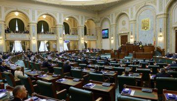 TRADARE NAȚIONALĂ DE PROPORȚII ÎN PARLAMENTUL ROMÂNIEI! Coaliția de conjunctură PSD-ALDE-UDMR se opune arborării drapelului național de Ziua României!