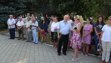 Asociația Culturala Pro Basarabia și Bucovina Constanța la Ziua Limbii Romane la bustul lui Alexei Mateevici din CAUSENI