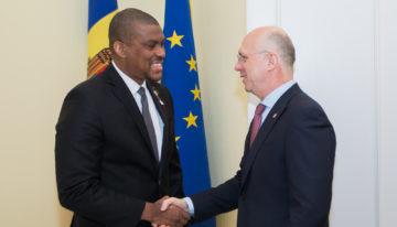 Premierul Pavel Filip s-a întâlnit cu Ambasadorul SUA în Republica Moldova, Derek J.Hogan