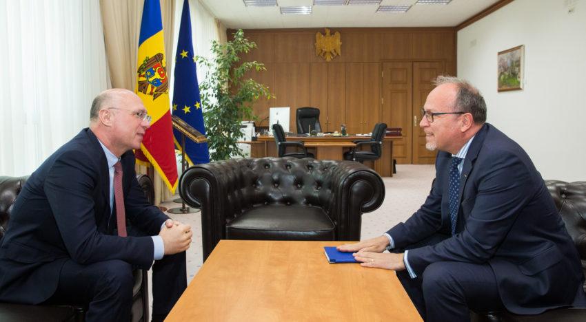 Proiectele comune, discutate de premierul Pavel Filip și ambasadorul României la Chișinău, Daniel Ioniță