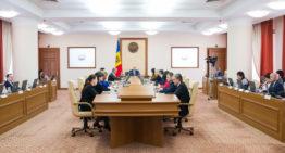 Tinerii pedagogi vor beneficia de indemnizațiile acordate de stat în decurs de 3 ani după absolvirea instituției, dacă se vor angaja conform specialității