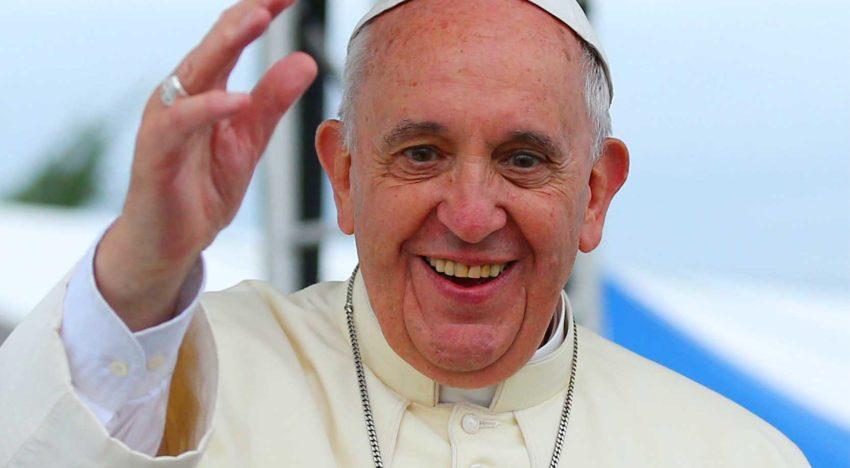 """Papa Francisc la București: """"Aduc un omagiu sacrificiilor făcute de atâția fii și fiice ale României"""""""