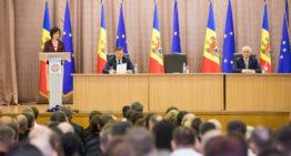 """FOTO / Premierul Maia Sandu a prezentat noii miniștri: """"Noul Guvern va elimina vechile practici de îmbogățire ilegală prin scheme de corupție, de numire în funcție pe criteriul loialității față de partid"""""""