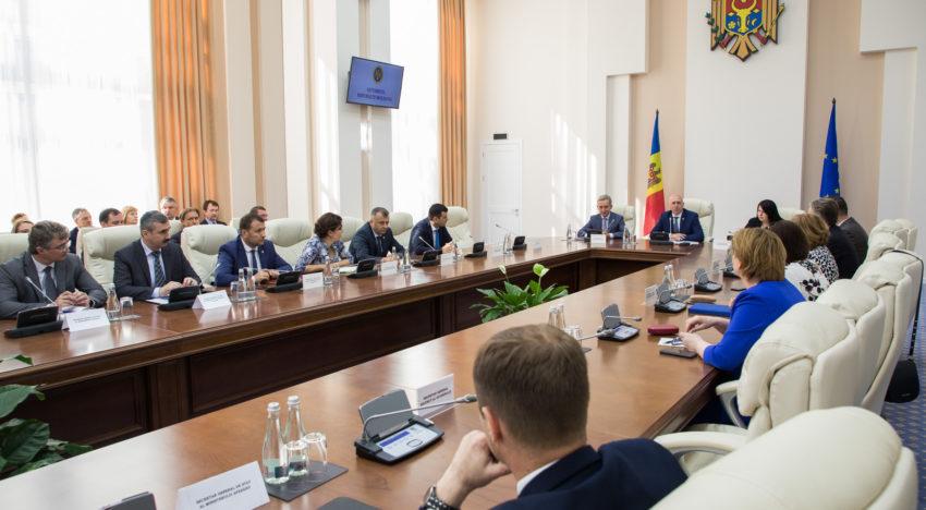 Premierul Pavel Filip a solicitat să fie asigurată funcționarea în regim normal a instituțiilor publice, astfel încât cetățenii să nu fie afectați