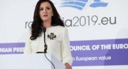 Ministrul Natalia Elena Intotero, în mijlocul celei mai mari comunități românești din afara granițelor