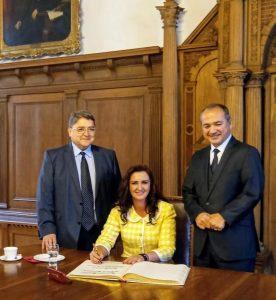 Românul care i-a convins pe germani să-l aleagă primar a discutat despre reușita sa ca român de pretutindeni cu ministrul Natalia-Elena Intotero