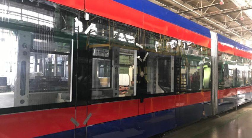 """Oradea se înoiește cu tramvaie moderne românești, de ultimă generație, """"refuzate"""" de Primăria București pentru cele turcești"""