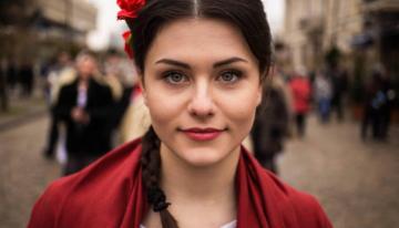 """Carolina, basarabeanca din Atlasul Frumuseții: """"M-am simțit la Iași, mereu ca acasă, chiar uneori mai bine…"""""""
