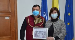 """Ministerul Educației, protocol de colaborare cu un ONG nereprezentativ pentru ore de """"cultura aromânilor"""". Reacția Academiei"""
